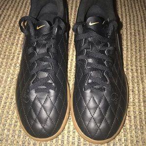 Boys Nike JR Tiempo Rio Sneakers